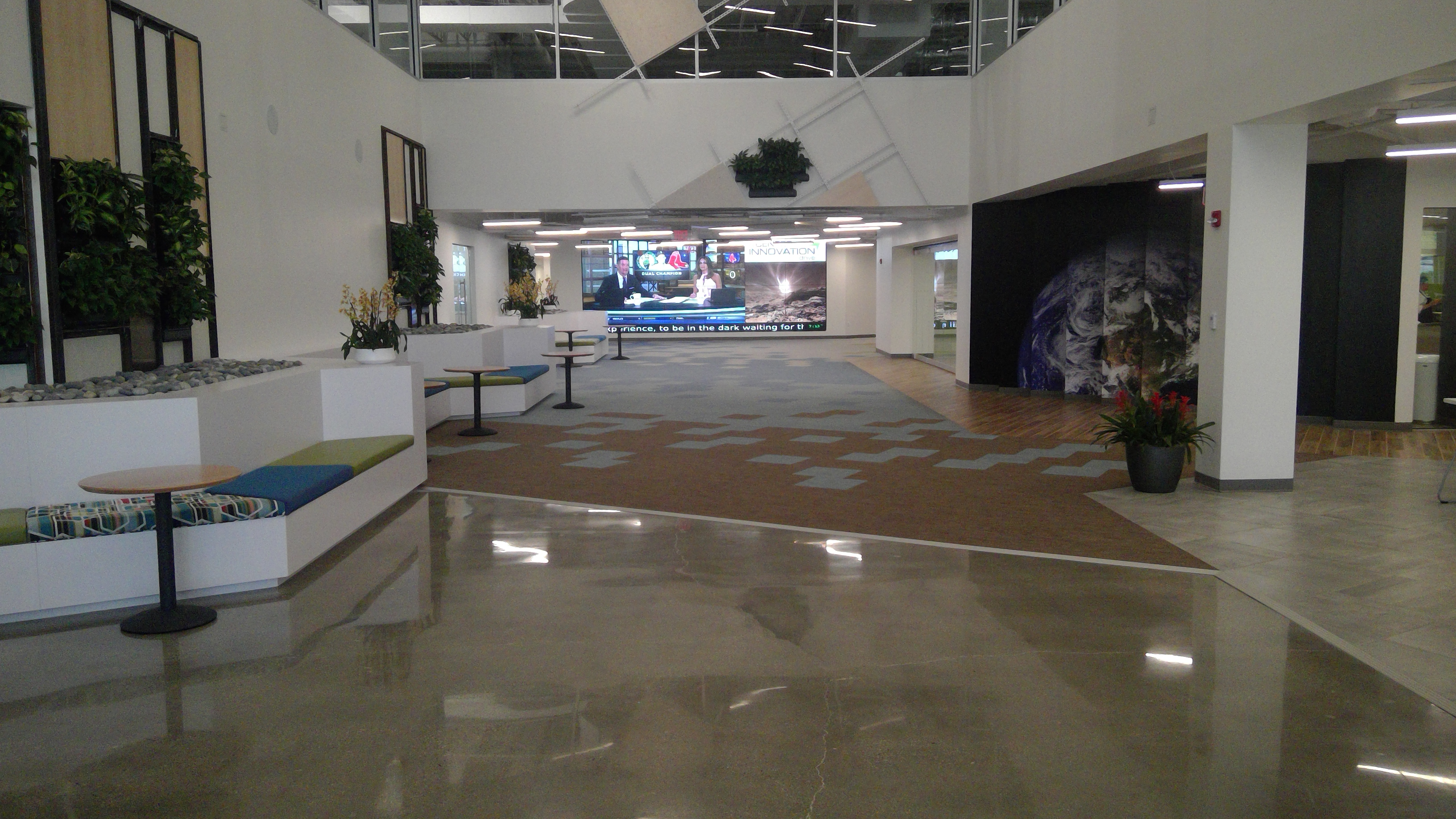 Image of 400 Lobby